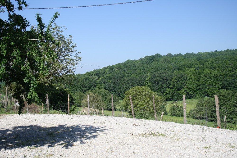 Aire camping-car à Sainte-Orse (24210) - Photo 4